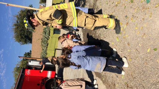 Visita bomberos pre escolar 2018 (11)