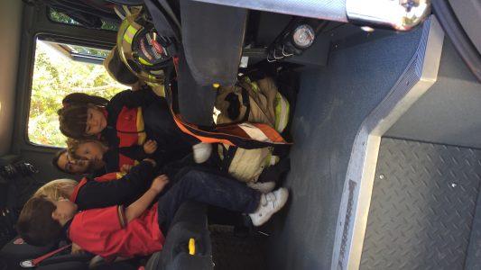 Visita bomberos pre escolar 2018 (2)