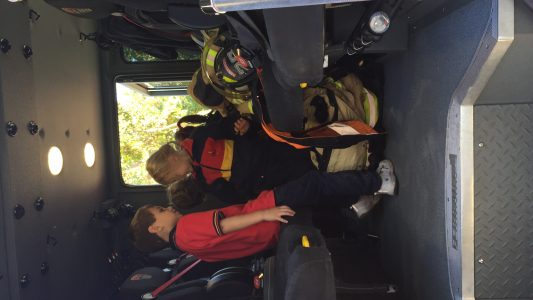 Visita bomberos pre escolar 2018 (3)
