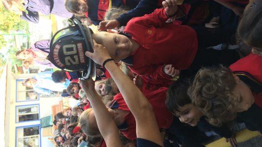 Visita bomberos pre escolar 2018 (4)