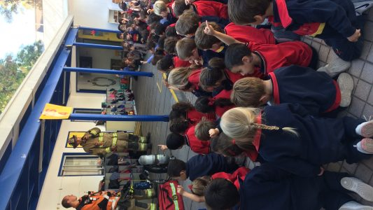 Visita bomberos pre escolar 2018 (9)